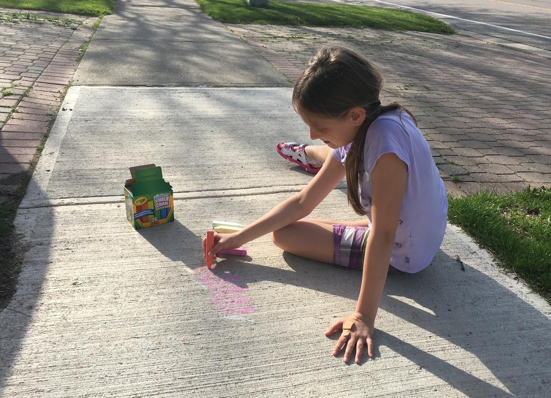 shoppers sidewalk chalk