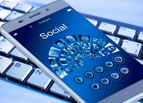 social media mobile phone