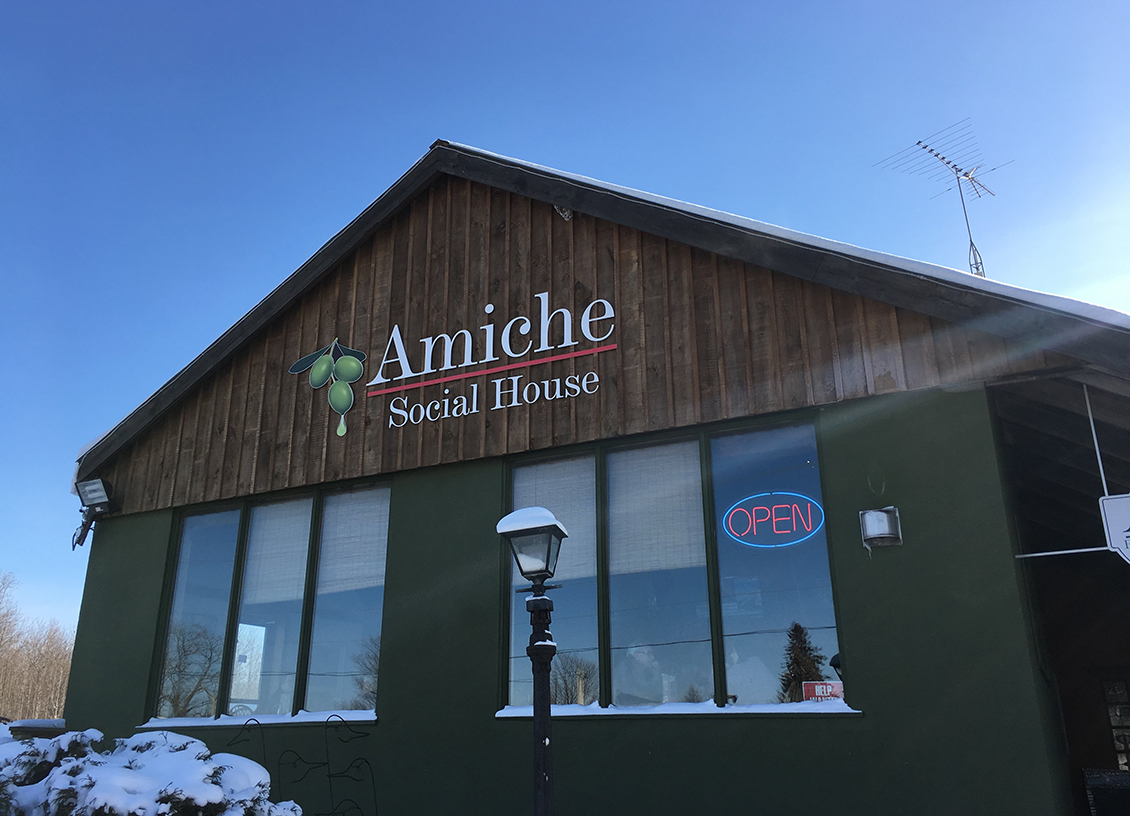 A Casual Italian Lunch at Amiche Restaurant and Social House in Barrie. #OntLakeCountry @OntLakeCountry #sponsored
