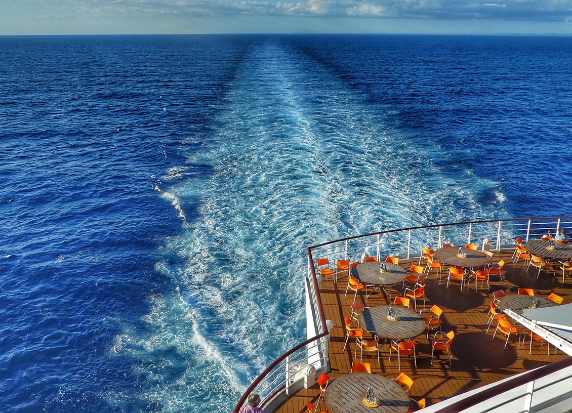 dinner cruise ship wake