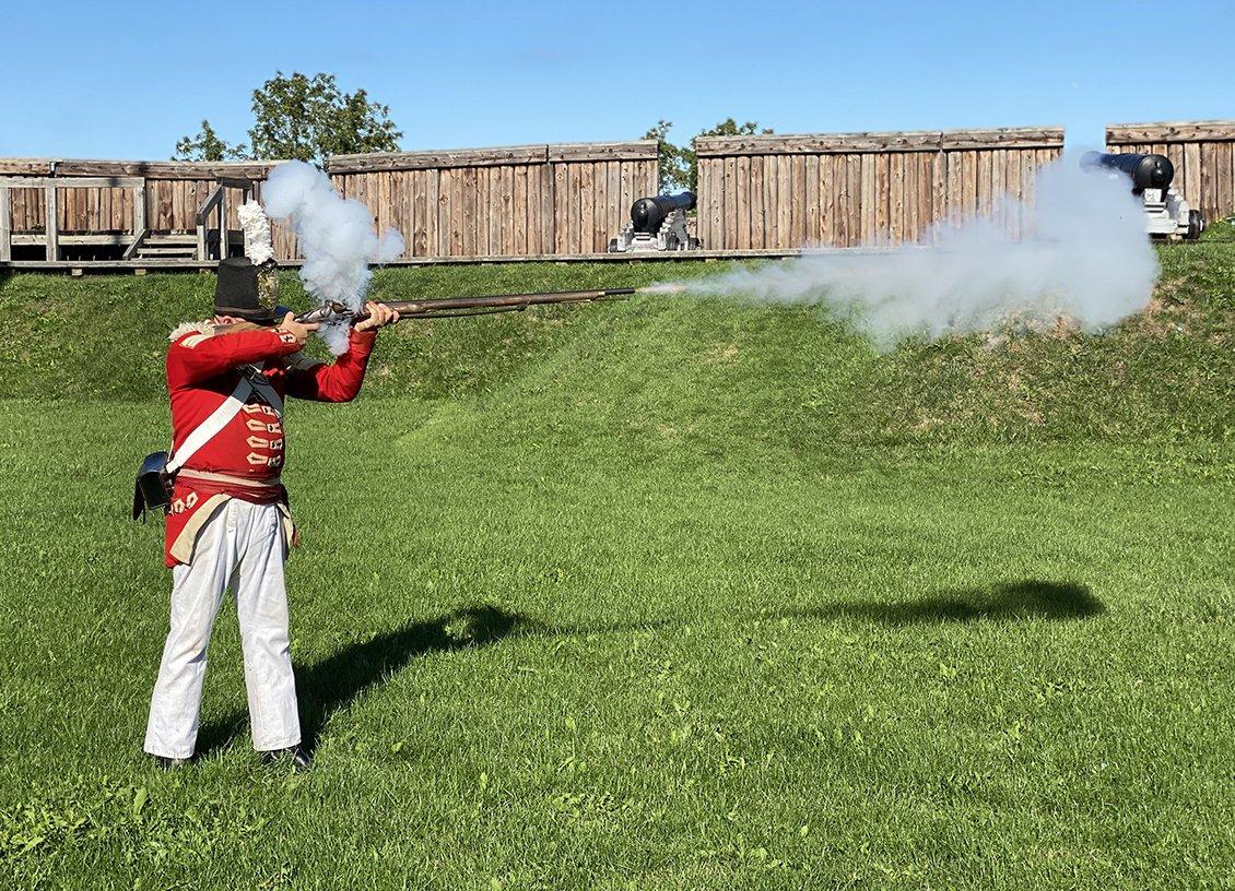 fort george musket niagara falls