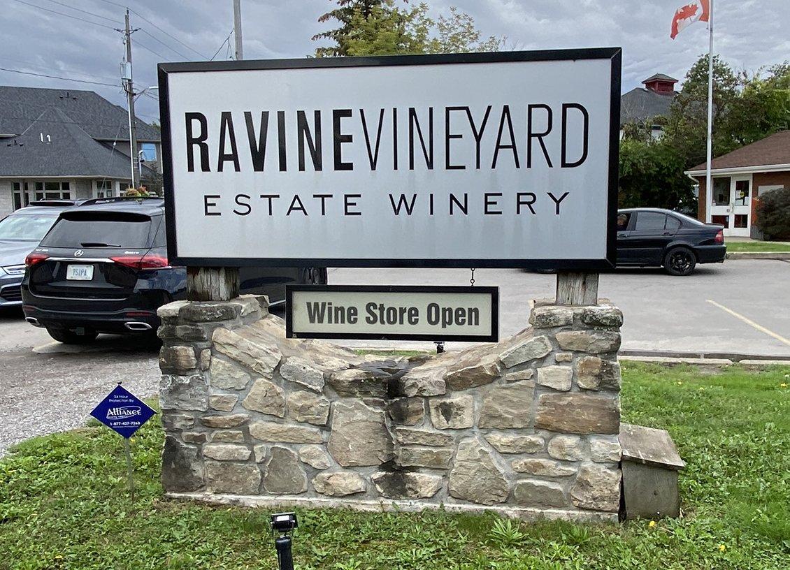 sign at ravine vineyard niagara falls